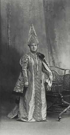 https://flic.kr/p/D7otRt | La Comtesse Keller, née Princesse Schakhovskoy (Femme de boyard du XVII siècle)