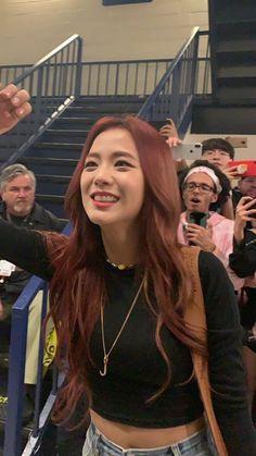 """imagine being this close to jisoo: a thread"" Kim Jennie, Jenny Kim, Kpop Girl Groups, Kpop Girls, My Girl, Cool Girl, Black Pink ジス, Peinados Pin Up, Blackpink Photos"