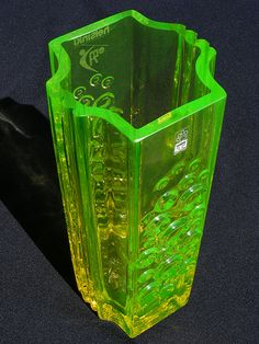 "Riihimaki ""Presto"" vaseline coloured glass vase, designed by Tamara Aladin. Art Of Glass, My Glass, Coloured Glass, Vaseline Glass, Clear Glass Vases, Murano, Fenton Glass, Through The Looking Glass, Carnival Glass"
