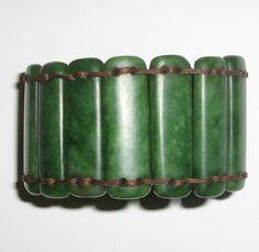Pounamu bracelet Green Stone, Stone Jewelry, Kiwi, As You Like, Frosting, Bangle Bracelets, Jade, Hand Weaving, Carving