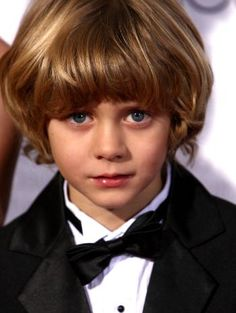 Ty Simpkins please follow me,thank you i will refollow you later