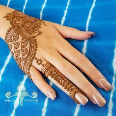 // by @henna_paradise
