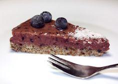 Recept s fotopostupom na výborný zdravý koláčik plný samých dobrot. Ozaj to ide aj bez múky a cukru a rúry ;)