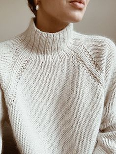 Sweater No. 9 is a heavy knit sweater with classic raglan sleeves and a high neck. A chunky and elegant style with lovely details. The sweater is cut for a comfy loose fit and shapes itself beautifully on all shapes and sizes. Sweater Knitting Patterns, Knitting Stitches, Knit Patterns, Free Knitting, Sewing Patterns, Knitting Sweaters, Women's Sweaters, Vintage Sweaters, Pullover Sweaters