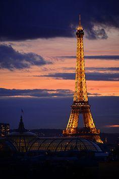 Paris by Night | POR janeiro lyall