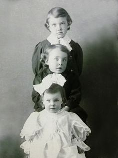 ~+~+~ Antique Photograph ~+~+~  Sweetness all in a row...