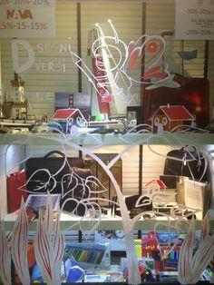 LAURA NOMISAKE per VETRINE DIVERSE @ DISEGNI DIVERSI IIed http://www.disegnidiversi.com/news/vetrine-diverse-live-painting/