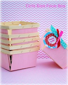 painted wooden berry boxes...darling!  {Cute Kids Food Box shop on Etsy}