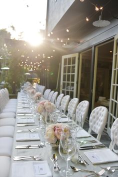 We love the soft look of this outdoor dinner party that Gwyneth Paltrow threw