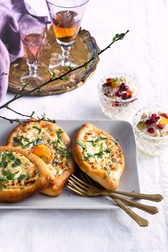 Salmon Burgers, Food Inspiration, Anna, Food And Drink, Pizza, Snacks, Baking, Ethnic Recipes, Appetizers