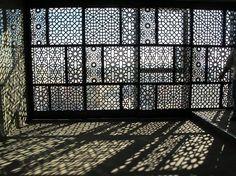 hotel fachada Lattice Decoration Ideas New Timber - hotel Islamic Architecture, Interior Architecture, Interior And Exterior, Interior Design, Landscape Architecture, Restaurant Berlin, Deco Restaurant, Facade Design, Wall Design