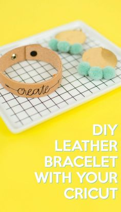 This DIY Leather Bracelet with Your Cricut is a simple craft project that you'… - Schmuck herstellen Diy Leather Bracelet, Leather Keychain, Leather Earrings, Diy For Teens, Crafts For Teens, Kids Crafts, Make Natural, How To Make Leather, Cricut Craft Room