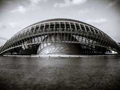 Santiago Calatrava's L'Hemisfèric waking up, in black and white