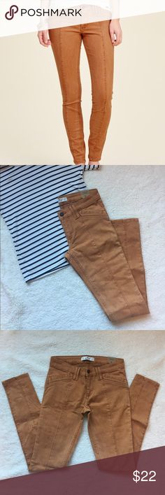 Hollister Super Skinny Utility Pants Brand new! Bought online and they didn't fit right. I pretty typically wear Hollister super skinny jeans in a 00. These were the same size in the thigh and length, but the waist/hips were slightly bigger. Color accurate in cover photo. Last photo shows the front of the leg (leg) and the back (right). Inseam is 29 inches Hollister Pants Skinny
