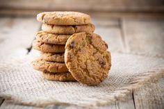 Gli scarti di frutta e verdura espulsi dal vostro estrattore si possono riutilizzare! I biscotti alla frutta sono l'ideale per la colazione o per uno spuntino veloce. Li potete conservare fino ad una settimana in una scatola chiusa.