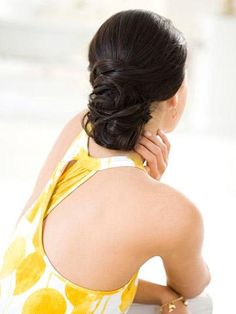 White and Gold Wedding. Bridesmaid Hair. Natural Hair. Night Out Hairstyle: Soft Chignon Tutorial