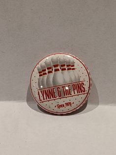 "1 ""Ska Band Button mit Lynne & The Pins – Typical Miracle Cool Kids Club, Charitable Donations, Tell The World, Button Badge, Jukebox, Cool Bands, Paper Art, Cool Designs, Buttons"