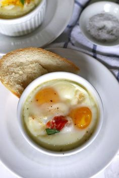 Caprese baked eggs only require 4 ingredients and a little salt and pepper. This easy recipe is going to be your go-to quick recipe for breakfast or brunch!