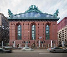 Harold Washington Library Center by HBRA Architects (James Wright Hammond, Thomas Beeby, Dennis Rupert, & Gary Ainge)