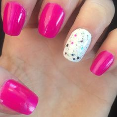#naileditnbb #pink #white #glitter