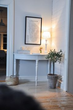 New Furniture, Painted Furniture, Diy Christmas Lights, Interior Styling, Interior Design, Living Spaces, Living Room, Scandinavian Home, First Home