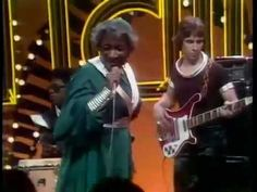 La Belle - Lady Marmalade  1975 Takes me back to High School Patti LaBelle and her late sisters The Blue Bells
