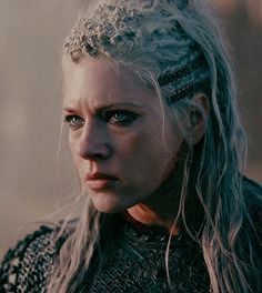 Vikings Lagertha, Vikings Ragnar, Vikings Tv Show, Warrior Queen, Viking Warrior, Artiste Martial, Katheryn Winnick Vikings, Lagertha Lothbrok, Divas