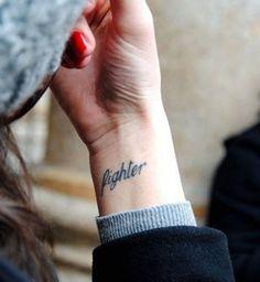 Idées de tatouages pour le poignet : « Fighter »