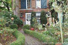 Teil des Hofensembles in Isernhagen: Zuwegung Gartenhaus Sweet Home, Outdoor Structures, Agriculture, Detached House, Real Estates, Garden Cottage, Architecture, Homes, House Beautiful