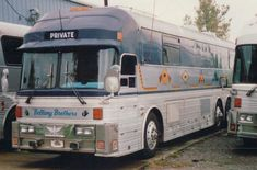 old and new bus photos Bus Sales, Star Bus, Bus Motorhome, Prevost Bus, Buses For Sale, Luxury Bus, New Bus, Motor Homes, Bus Conversion