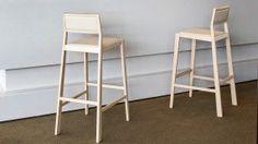 Aruba bar stool with ash wood structure