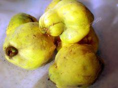 compot de gutui 1 Potatoes, Fruit, Vegetables, Food, Vegetable Recipes, Eten, Veggie Food, Potato, Meals