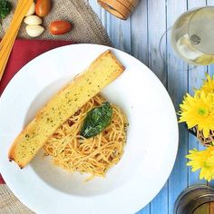 Comparateur de voyages http://www.hotels-live.com : Theres nothing more delightful than @mercuresimatupang s fresh basil spaghetti and garlic bread!  #Accorhotels #Food #Yummy #ItalianFood #Colorful #Fresh #Healthy #Cook Hotels-live.com via https://www.instagram.com/p/BF4G3Linkn9/ #Flickr via Hotels-live.com https://www.facebook.com/125048940862168/photos/a.844749608892094.1073741847.125048940862168/1174278725939179/?type=3 #Tumblr #Hotels-live.com