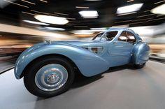 1936 Bugatti Type Atlantic In Detail Photo Gallery Bugatti Type 57, Car Photos, Car Pictures, Pebble Beach Concours, Concours D Elegance, Most Expensive Car, Automobile Industry, Grand Palais, Autos