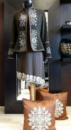 IGÉZŐ Ősi magyar motívumok, modern ruhákon - Hungarian traditional motifs with modern clothes