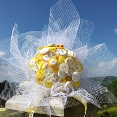 Button Bouquet - Yellow and White Daisy - Customisable - Any colour/theme made to order - Matching Boutonniere - Keepsake Everlasting Memory Bride Bouquets, Bridesmaid Bouquet, Flower Girl Bouquet, Yellow Bouquets, Button Bouquet, Alternative Bouquet, Teacher Christmas Gifts, Nontraditional Wedding, White Tulle