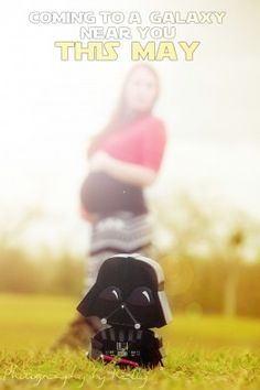 Our nerdy maternity photo homage to science fiction.  Houston Maternity Photos – With a hint of Star Wars | Houston Wedding Photographer & Newborn Photographer | Photography by Kelly