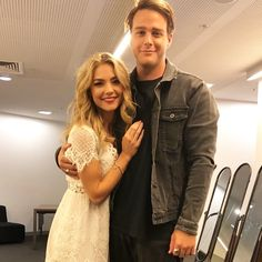 Tim Franklin and Sam Frost aka Jasmine and Colby! Home And Away Cast, Franklin Homes, New Nurse, Hollyoaks, Coronation Street, Liam Hemsworth, Pictures To Draw, Jamie Dornan, Soaps