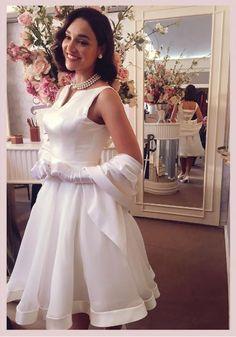 Filomena (Debora Nascimento) Eta mundo bom vestido de noiva