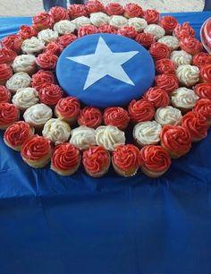 Cupcake shield at a superhero birthday party! Fun snack for a Captain America birthday party. Avengers Birthday, Superhero Birthday Party, 6th Birthday Parties, Birthday Cupcakes, Birthday Fun, Super Hero Birthday, Marvel Birthday Cake, Third Birthday, Boy Birthday Cakes