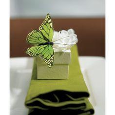 Queste bellissime farfalle sono perfette per decorare i centrotavola, la torta nuziale o i tavoli del vostro ricevimento in modo assolutamente unico: ogni pacchetto contiene al suo interno 12 farfalle della stessa dimensione realizzate per donare al vostro evento un tocco magico.Misura: 10 x 5 cmSalvo disponibilità in magazzino i tempi di consegna standard sono di 20 gg lavorativi.