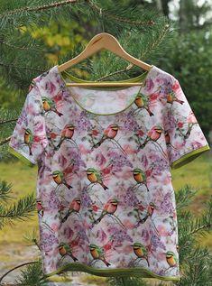 Vaateviidakko: Peruspaitoja paratiisin väreissä Diy Shirt, Floral Tops, Shirts, Clothes, Women, Fashion, Outfits, Moda, Clothing