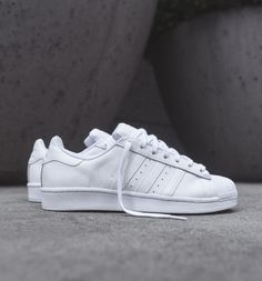 new concept 1d343 3d1a0 The mighty Three Stripes releases the shoe of the summer in a clean  all-white
