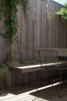 Five Ideas For Your Vertical Herb Garden Outdoor Landscaping, Outdoor Plants, Outdoor Decor, Outdoor Spaces, Diy Patio, Backyard Patio, Patio Decks, Decking, Bauhaus