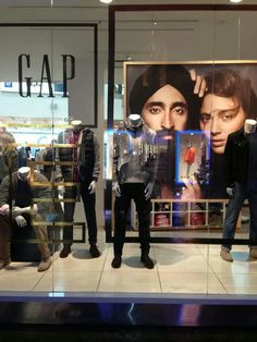 SIKHS presenting GAP. I absolutely adore this!! Go Gap!!