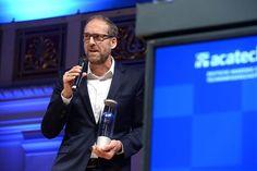 """Christoph Kucklick überzeugte die Jury mit seinem Beitrag """"Der vermessene Mensch"""" in der Sparte Magazin/ Zeitschrift/ Wochenzeitung. (Foto: acatech/D. Ausserhofer)"""