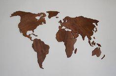 Kaart van de wereld gemaakt van multiplex. Maat 160 x 80 cm (ca. 63 x 31 inch). Wij geven u een zeer eenvoudige manier om dit paneel op uw muur - model van de kaart op papier, waaruit u nauwkeurig alle continenten en eilandjes plaatsen kunt. U hoeft alleen te snijden van de continenten