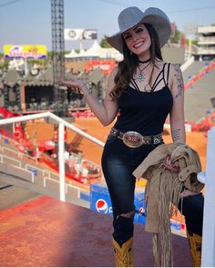 Image may contain: one or more people, people standing, hat and outdoor Cowboy Girl, Western Girl, Cowgirl Style, Little Country Girls, Country Girls Outfits, Equestrian Girls, Equestrian Outfits, Sexy Cowgirl Outfits, Vaquera Sexy