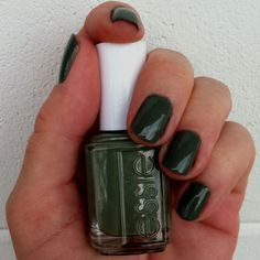 Love this hunter green Essie.. must get for Fall!! :)