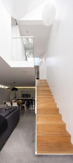 Minimalist geometrical design for Sydney abode | Designhunter - architecture & design blog